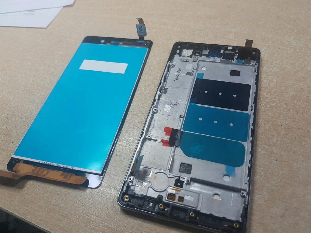 Wymiana wyświetlacza w Huawei P8 lite zamiennik