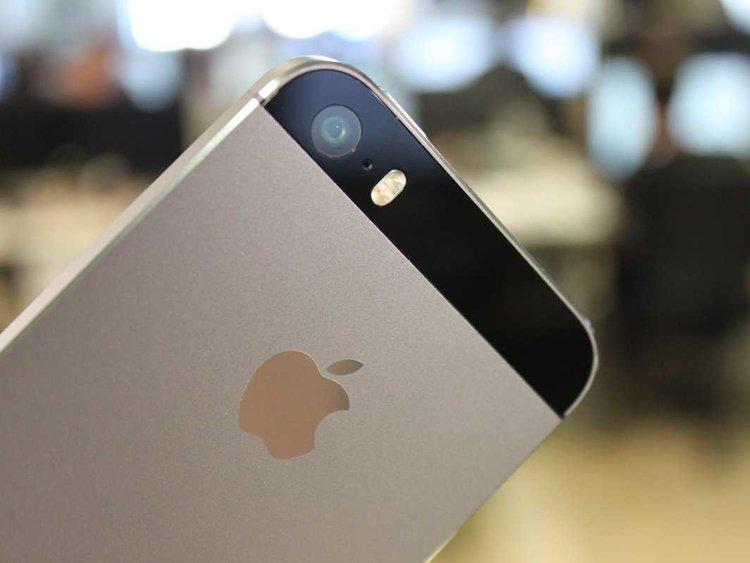 Obiektyw i szkiełko aparatu iPhone może ulec porysowaniu - wymieniamy tę cześć na poczekaniu