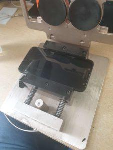 separator do usuniecia uszkodzonego wtyświetlacza w samsungu j5